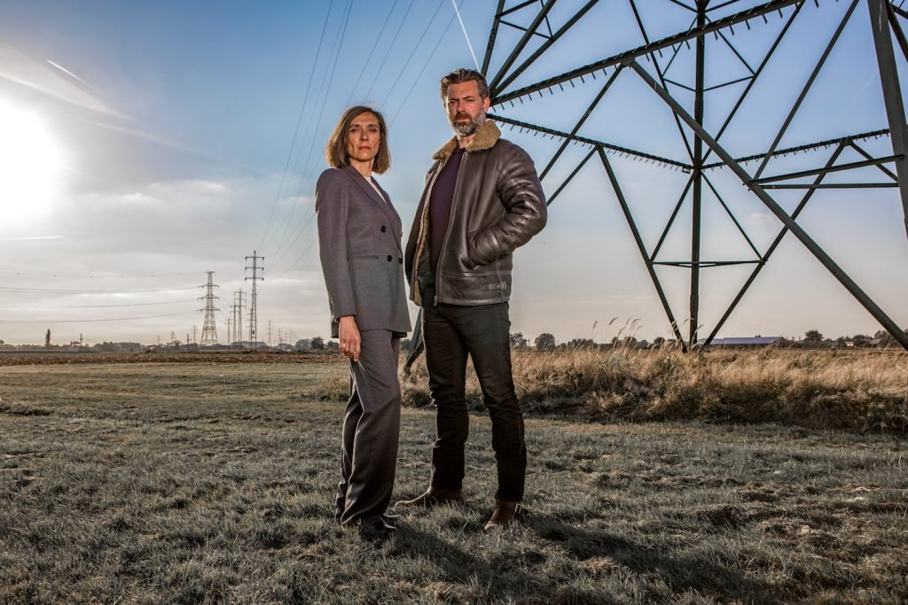 Geert Van Rampelberg en Sara De Roo in Black Out, op zijn vroegst 2020 op Eén