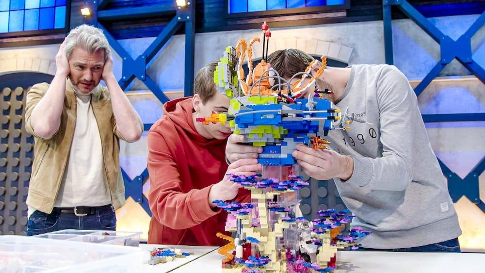 Martijn Brinkman en Jos van Uum bouwwerk Lego