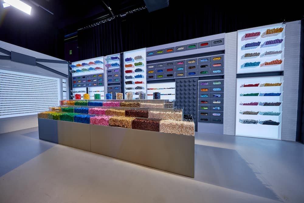 Muur met eindeloos veel lego blokjes uit Lego Masters Nederland Belgie