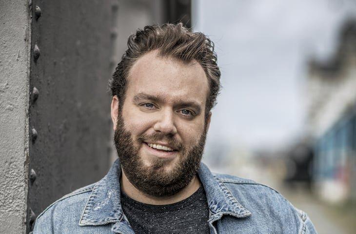 Jens Dendoncker presentator nieuw VTM programma Shelter over liefde najaar 2020 bij VTM