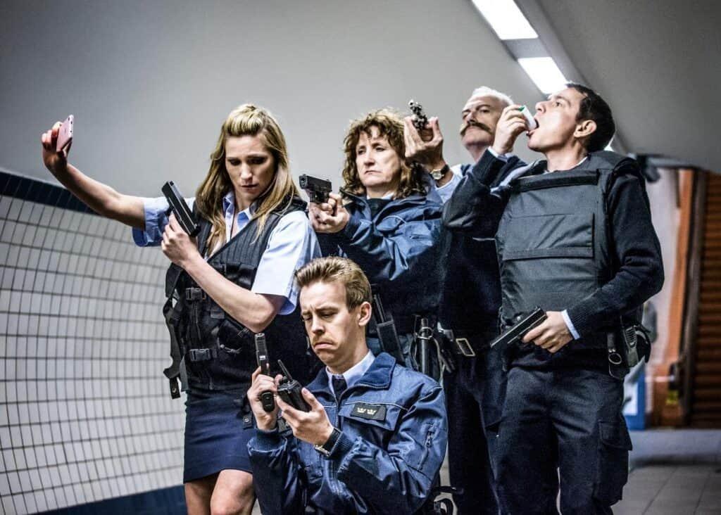 Tweede seizoen Patrouille Linkeroever? Cast in voetgangerstunnel Antwerpen