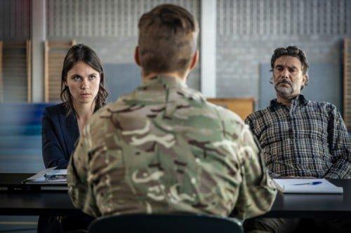 Roeland Fernhout als rechercheur Felix, hier samen met Charlotte Timmers.