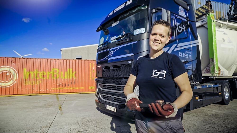 Daisy Coudeville (De Durver) Lady Truckers VTM2