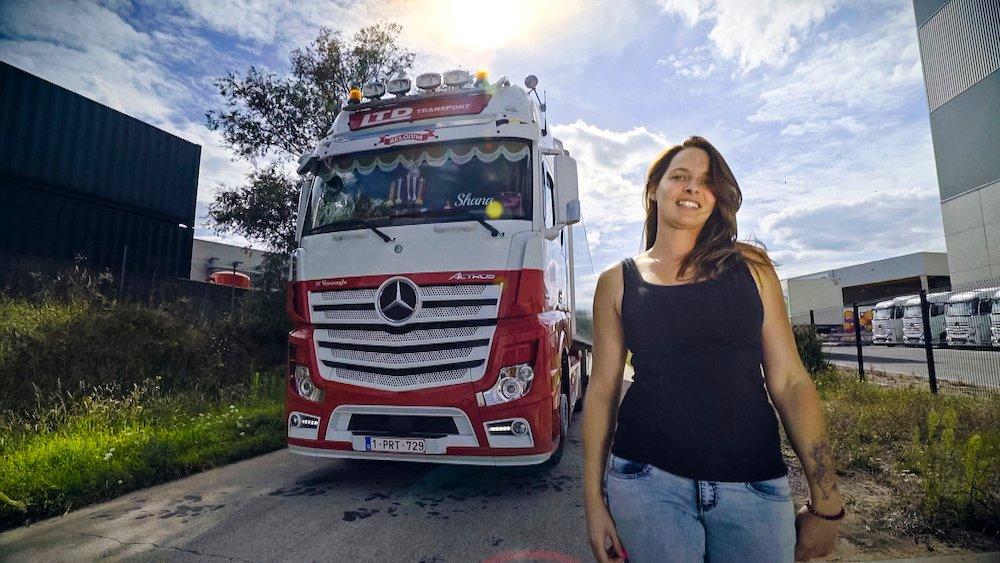Shana De Vreese (De Babe) Lady Truckers VTM 2