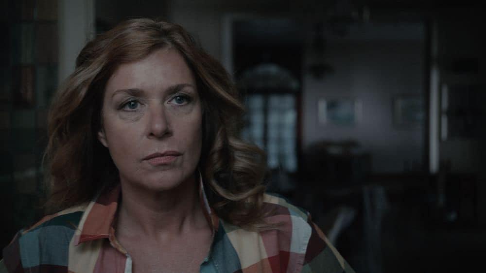 Barbara Sarafian speelt in Beau Sejour eigenaresse van het hotel