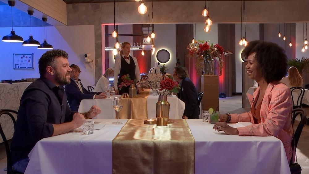 Jasmine Sendar  in First Dates Specials, waarin BN'ers de liefde zoeken