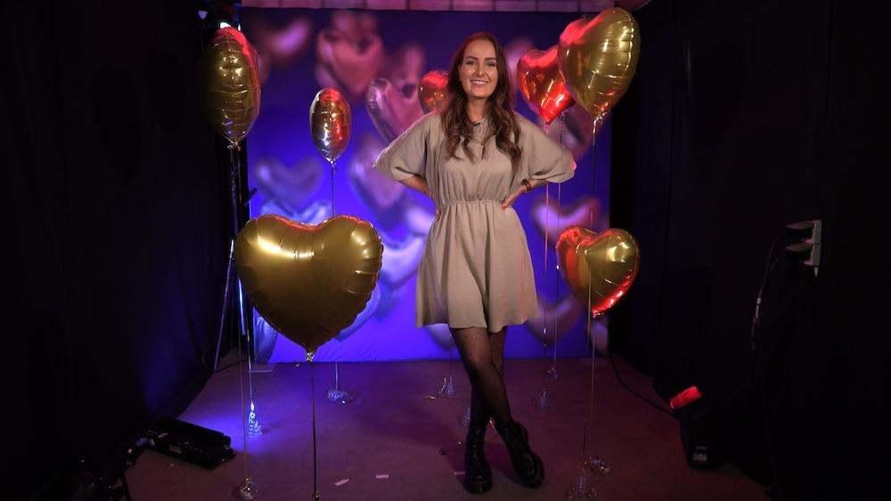 Jill van Dooren  in First Dates Specials, waarin BN'ers de liefde zoeken