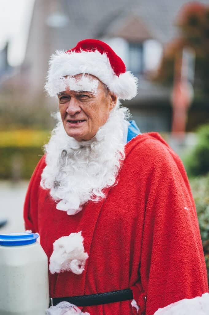 DDT Dimitrid De Tremmerie als Kerstman in kerst special Kampioenen