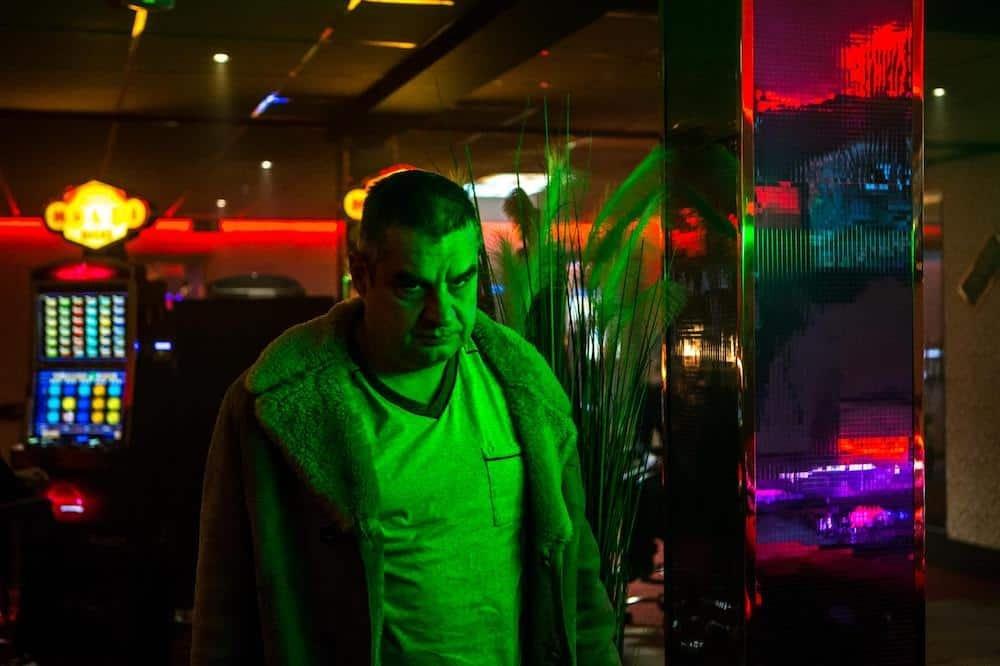 Frank Lammers als Ferry in het derde seizoen van Undercover (Netflix)